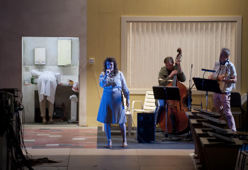 Maerzmusik 2014: IQ von Enno Poppe (musikalische Leitung) und Anna Viebrock (Regie, Bühne, Kostüme) am 14.03.2014 im Haus der Berliner Festspiele