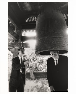 Cage_at_the_Ryoanji_Temple_1962